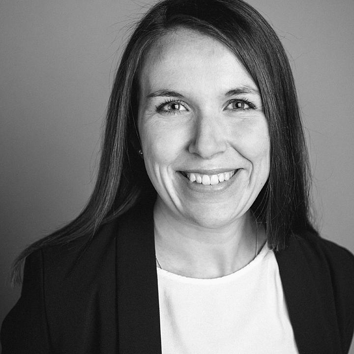 Porträtaufnahme von Dr. Lena Schröder
