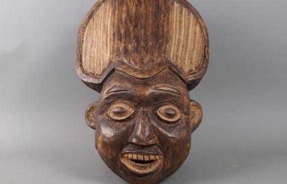 Anthropomorphe Holzschnitzereien aus Afrika Dauerausstellung bis zum 22. Dezember 2019