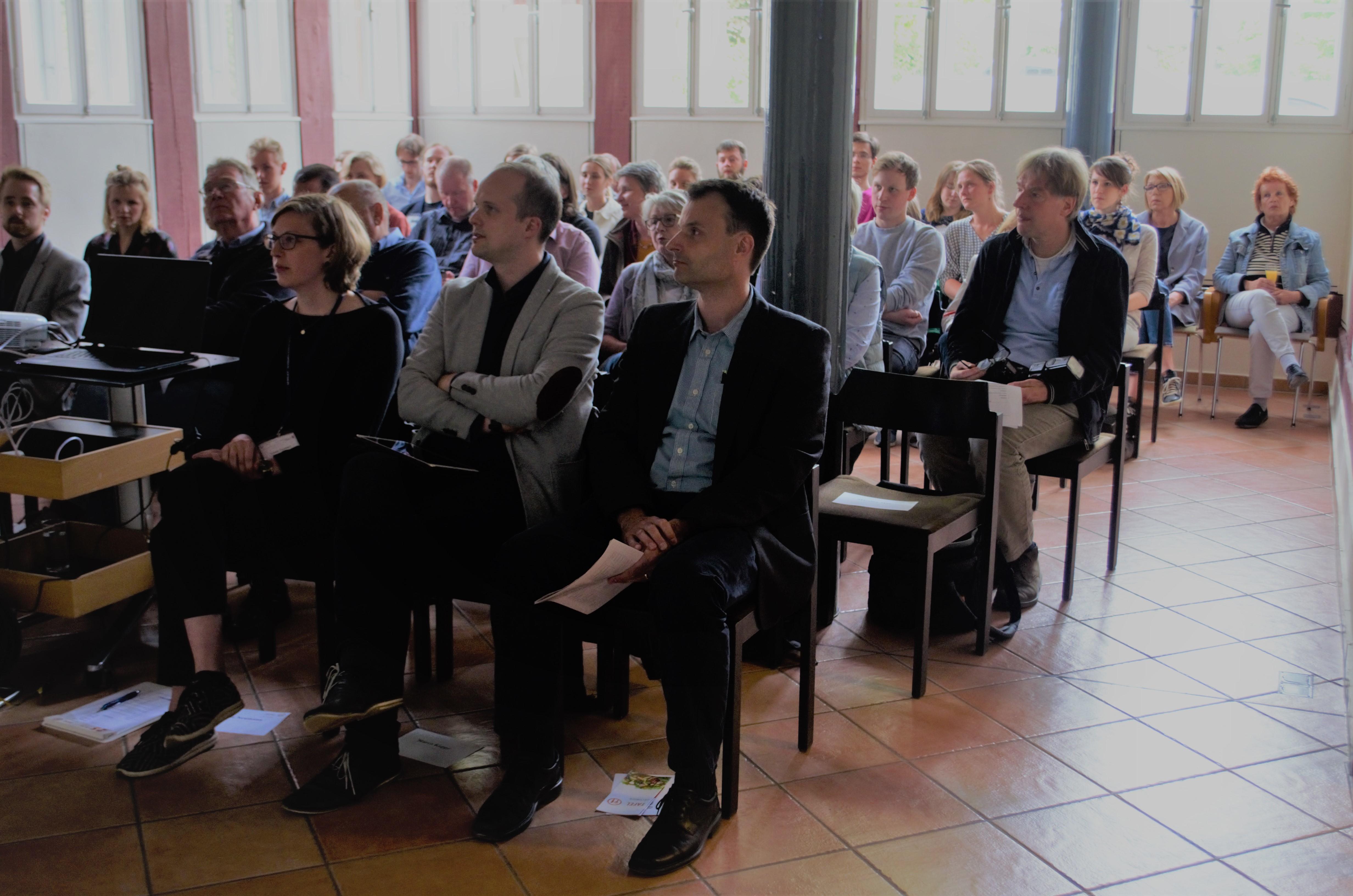 v.r.  Prof. Weishaupt, Ph.D.; Marco Koppe, Projektkoordinatorin SOZIUS: Leonie Neumann