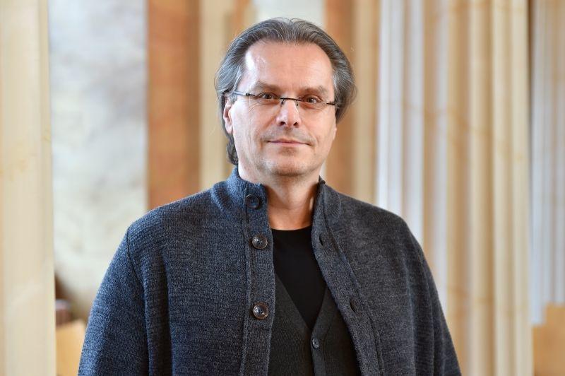 Prof. Dr. Bernd Wollnik